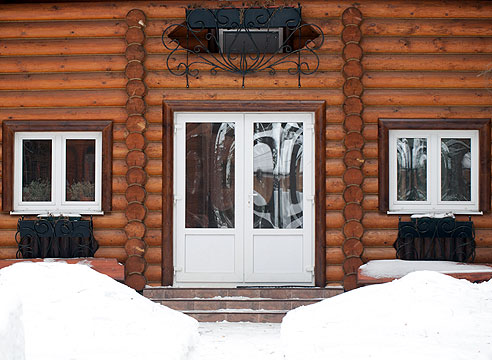 Утепление окон и дверей коттеджей