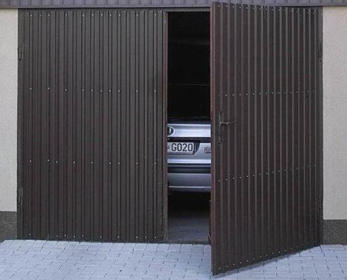Утепление распашных ворот гаража